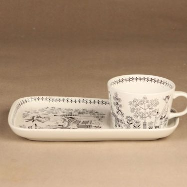 Arabia Emilia kahvikuppi ja erikoislautanen, 18 cl, suunnittelija Raija Uosikkinen, 18 cl, kuparipainokoriste