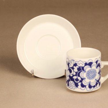 Arabia Gardenia kahvikuppi, sininen, suunnittelija Esteri Tomula, serikuva, kukka-aihe kuva 2