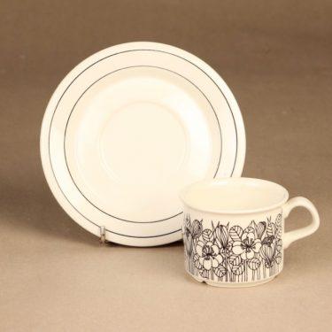 Arabia Krokus kahvikuppi, mustavalkoinen, suunnittelija Esteri Tomula, serikuva, kukka-aihe kuva 2