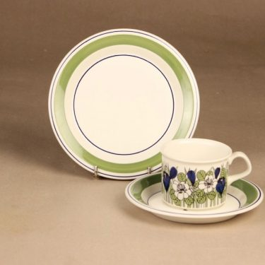 Arabia Krokus coffee cup and plates designer Esteri Tomula