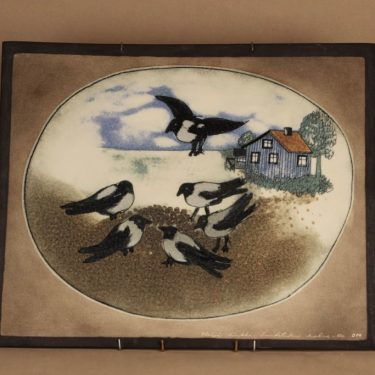 Arabia HLS wall plate Crows eating designer Heljä Liukko-Sundström