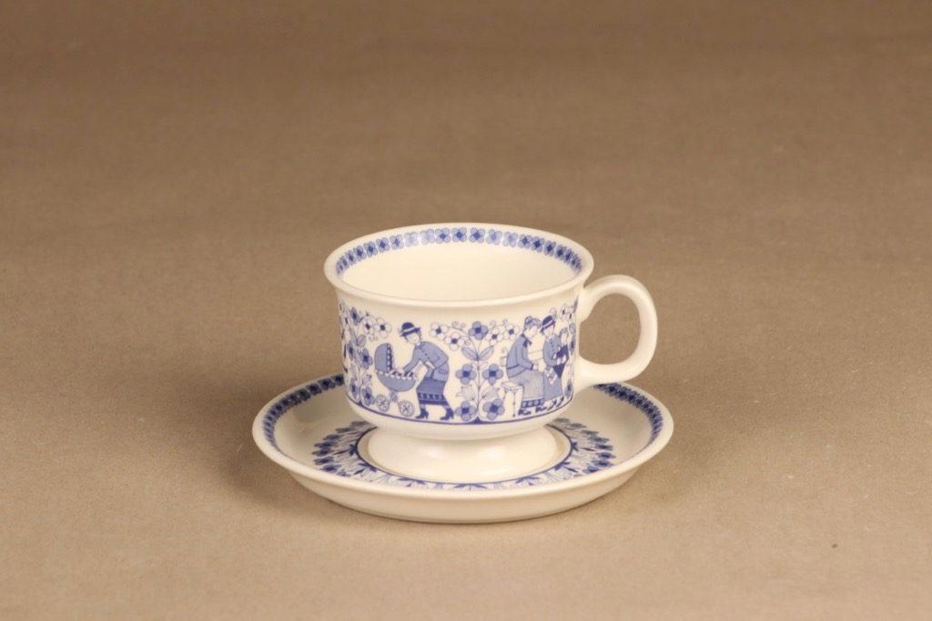 Arabia Äidinkuppi coffee cup designer Raija Uosikkinen