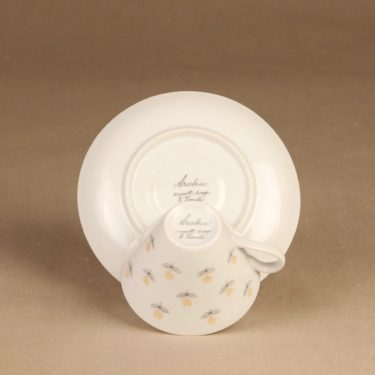 Arabia Monica kahvikuppi ja lautaset,, suunnittelija Esteri Tomula, , Kuppi 5.5*3.3-8.1 cm, asetin halkaisija 13.3 cm, pullalautasen 15.2 cm kuva 4