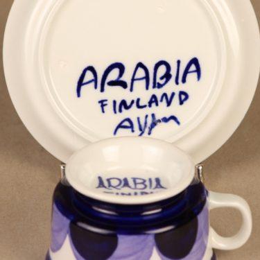 Arabia Paju mokkakuppi, käsinmaalattu, suunnittelija Anja Jaatinen-Winquist, käsinmaalattu, käsinmaalattu, signeerattu kuva 3