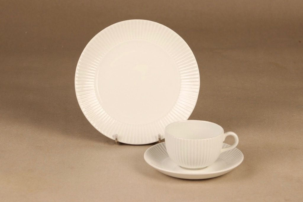 Arabia coffee cup and plates, white