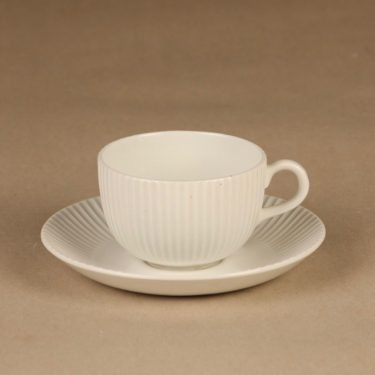 Arabia coffee cup and plates, white 2
