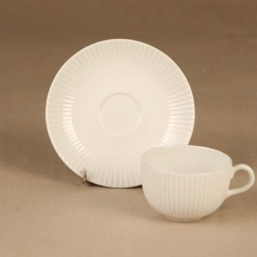 Arabia coffee cup and plates, white 3