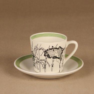 Arabia Flora kahvikuppi, suunnittelija , Kukka-aihe