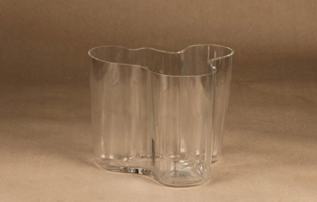 Iittala Savoy vase, clear designer Alvar Aalto