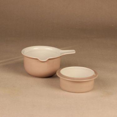 Arabia Koralli sauce casserole and bowl designer Raija Uosikkinen