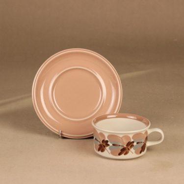 Arabia Koralli teekuppi ja lautaset, vaaleanpunainen, suunnittelija Raija Uosikkinen,  kuva 3