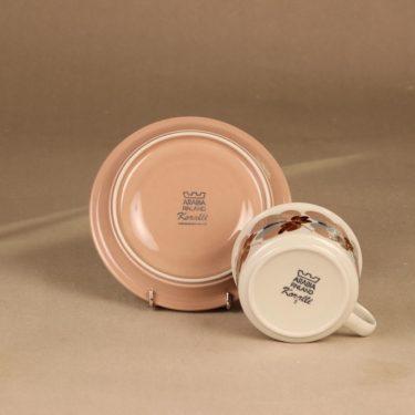 Arabia Koralli teekuppi ja lautaset, vaaleanpunainen, suunnittelija Raija Uosikkinen,  kuva 4