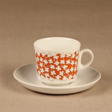Arabia Pikkukukka kahvikuppi ja lautaset, 3 osaa, suunnittelija , 3 osaa