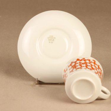 Arabia Pikkukukka kahvikuppi ja lautaset, 3 osaa, suunnittelija , 3 osaa kuva 3