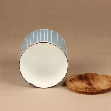 Finel jar with wooden lid 2