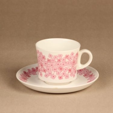 Arabia Leena coffee cup designer Raija Uosikkinen