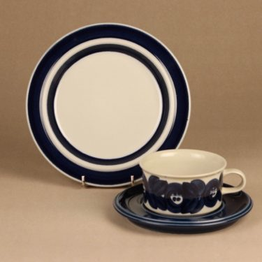 Arabia Anemone tea cup and plates, hand-painted designer Ulla Procope