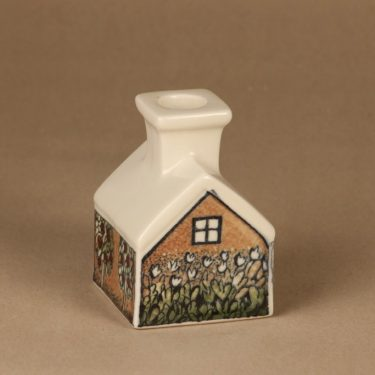Arabia kynttilänjalka, talo, suunnittelija Heljä Liukko-Sundström, talo, serikuva, kynttilätalo kuva 2