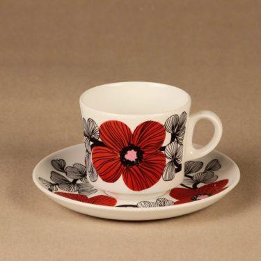 Arabia Isokukka kahvikuppi ja lautaset, punainen, suunnittelija Esteri Tomula, kukka, retro kuva 2