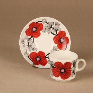 Arabia Isokukka kahvikuppi ja lautaset, punainen, suunnittelija Esteri Tomula, kukka, retro kuva 3
