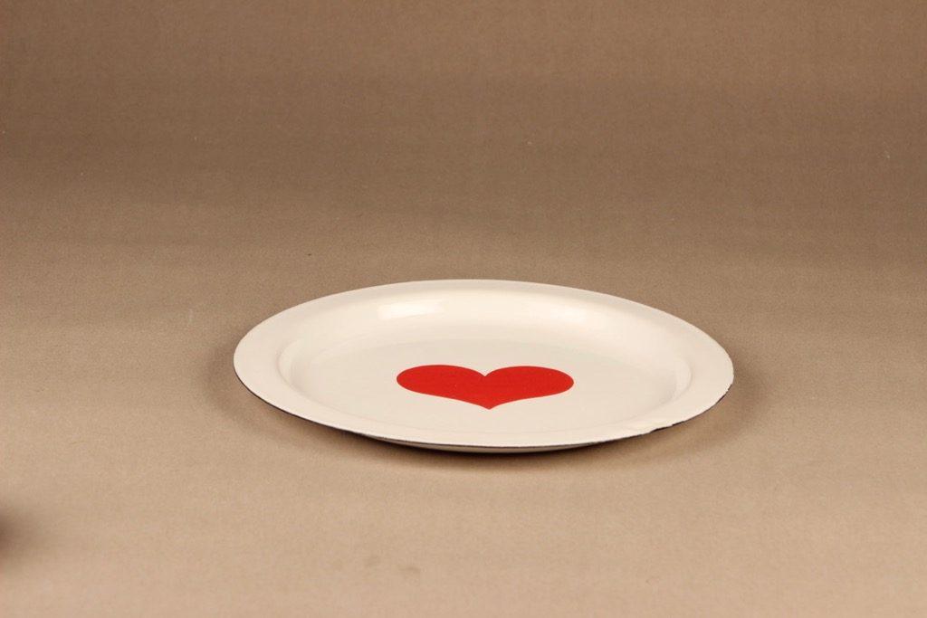 Finel Sydän enamel dinner plate designer Gunvor Olin-Grönqvist