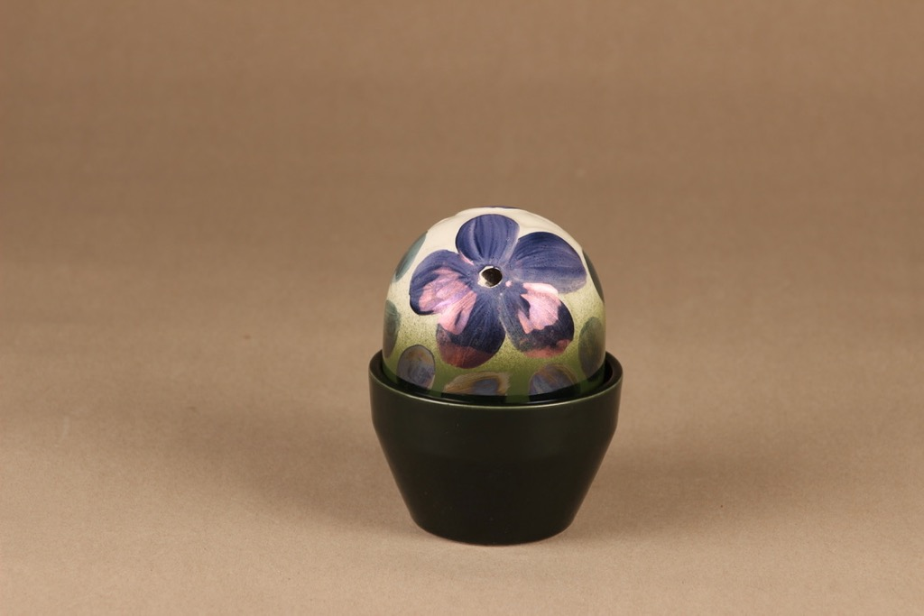 Arabia Violetti Anemone ikikukka, käsinmaalattu, suunnittelija Heljä Liukko-Sundström, käsinmaalattu, kukka, anemone