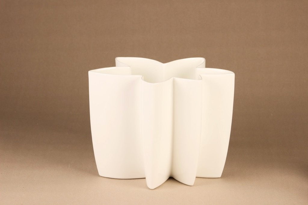 Arabia Carambola vase, white designer Heikki Orvola