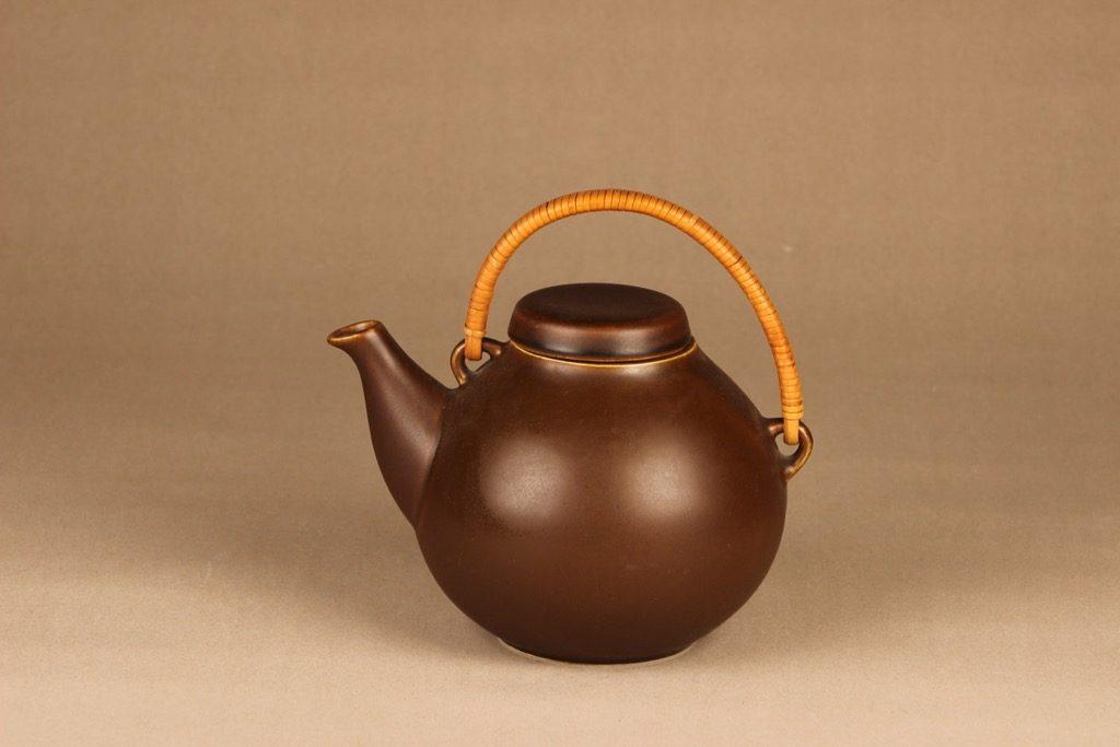 Arabia GA3 teekaadin, rottinkikahvalla, suunnittelija Ulla Procope, rottinkikahvalla, teekannu