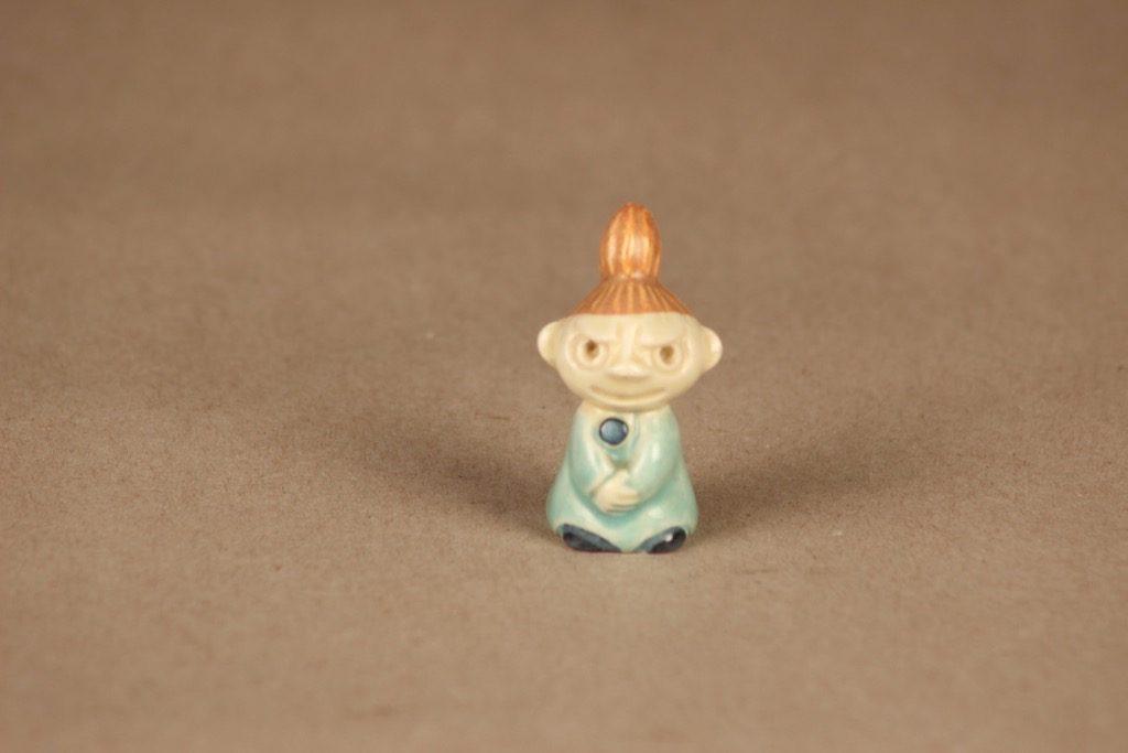 Arabia muumi Pikku Myy, figuuri 1950-luvulta, suunnittelija Signe Hammarsten-Jansson, figuuri 1950-luvulta, käsinmaalattu