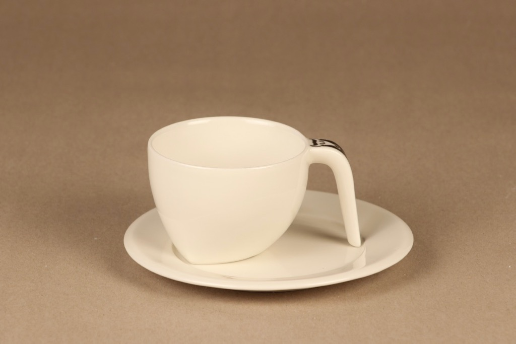 Arabia Ox coffee cup and plates designer Stefan Lindfors