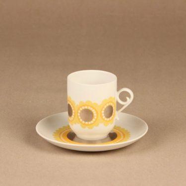Arabia Tanja kahvikuppi ja lautaset, keltainen, suunnittelija Esteri Tomula, serikuva kuva 2
