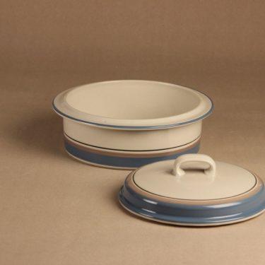 Arabia Uhtua casserole with lid designer Inkeri Leivo 2