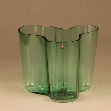 Iittala Aalto vase, green designer Alvar Aalto