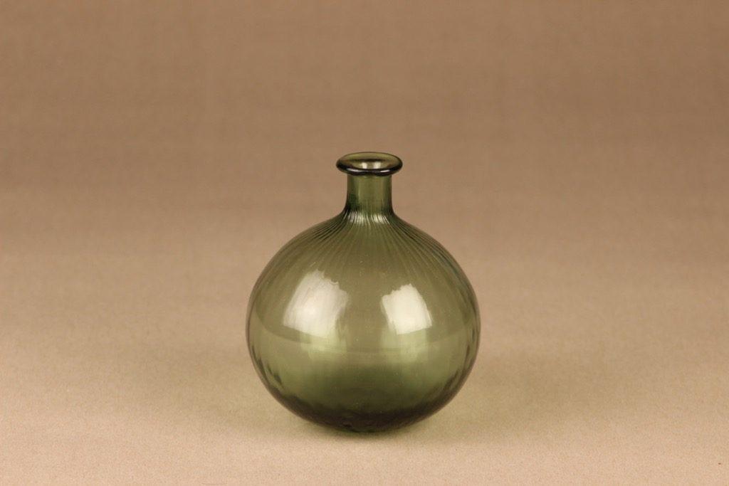Riihimäen lasi Neptuna bottle, green, designer Nanny Still