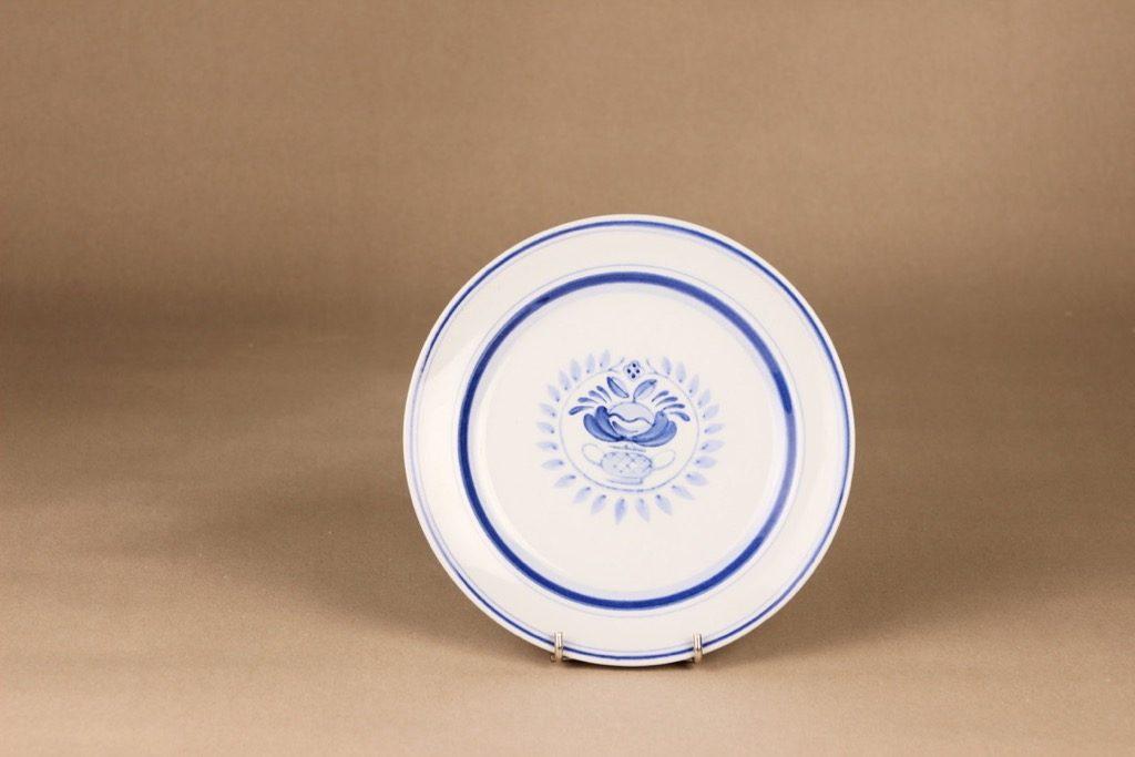 Arabia Blue Rose lautanen, matala 19.5 cm, suunnittelija Svea Granlund, matala 19.5 cm, käsinmaalattu,kukka-aihe