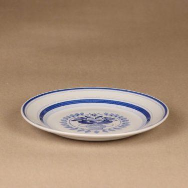 Arabia Blue Rose lautanen, matala 17.5 cm, suunnittelija Svea Granlund, matala 17.5 cm, käsinmaalattu,kukka-aihe kuva 3
