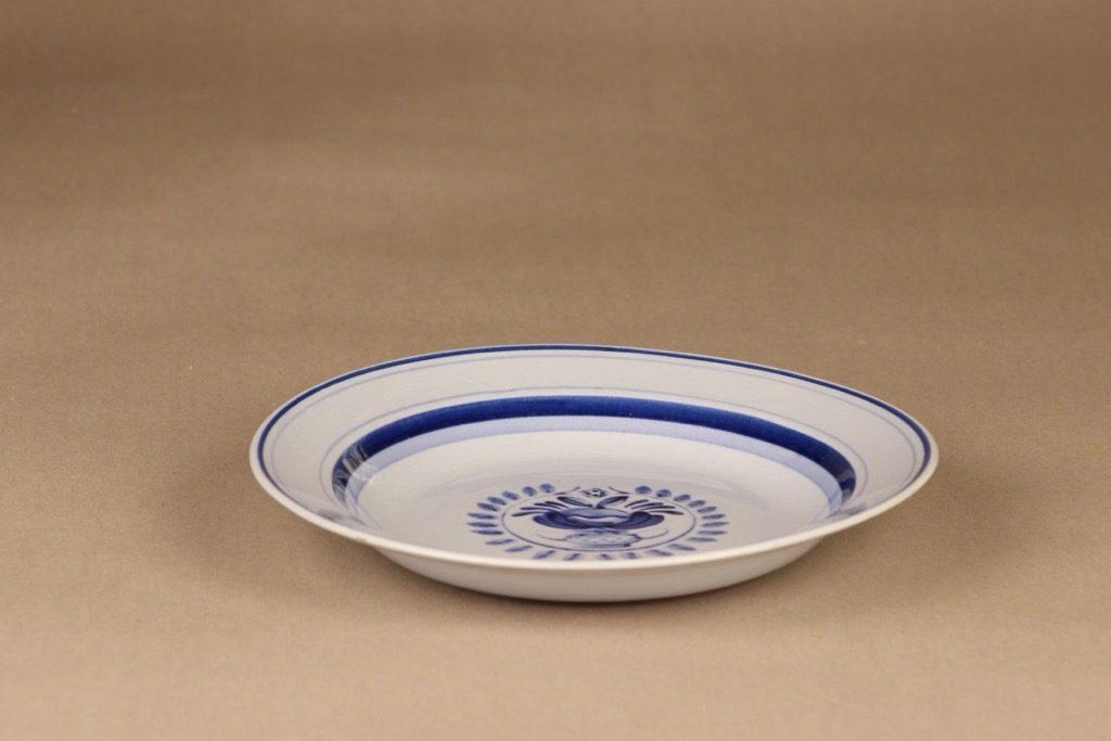 Arabia Blue Rose lautanen, syvä 21.7 cm, suunnittelija Svea Granlund, syvä 21.7 cm, käsinmaalattu,kukka-aihe