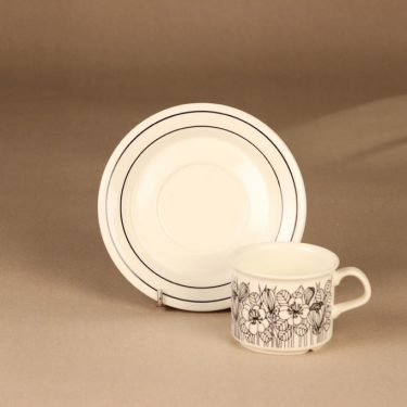 Arabia Krokus coffee cup and plates designer Esteri Tomula 3
