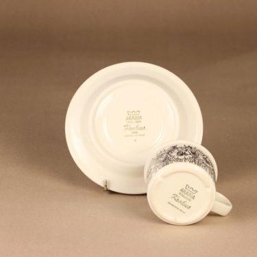 Arabia Krokus coffee cup and plates designer Esteri Tomula 4