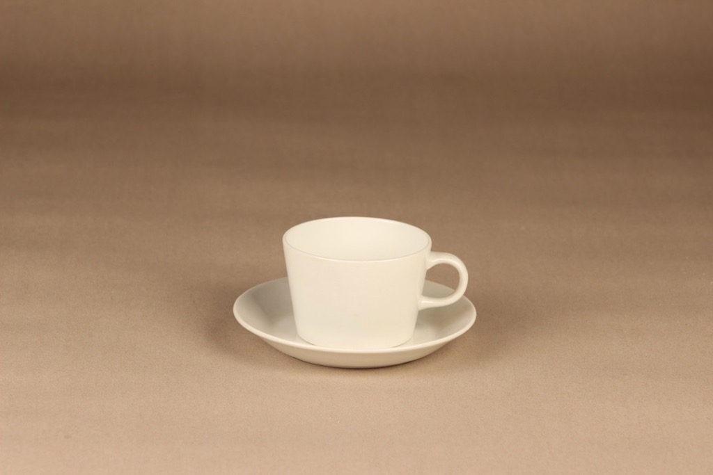 Arabia Kilta teekuppi, valkoinen, suunnittelija Kaj Franck,