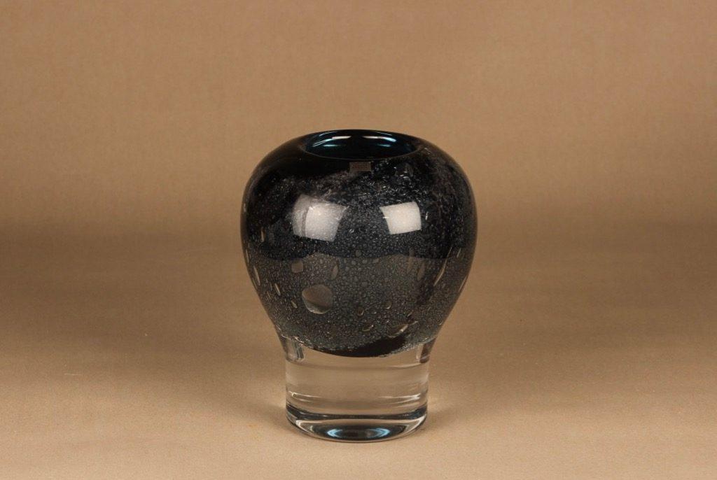 Nuutajärvi Vulcano art glass designer Heikki Orvola