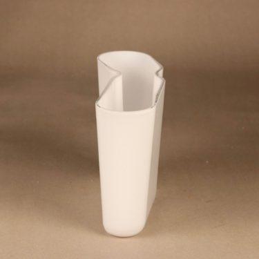 Iittala Muotka vase, white designer Harri Koskinen 2