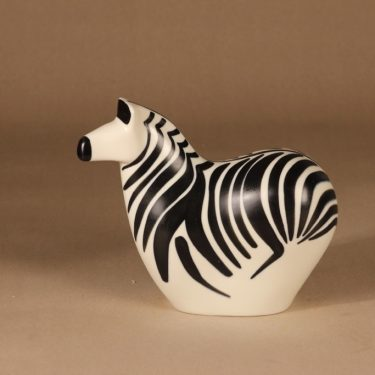 Arabia Seepra figuuri, signeerattu, suunnittelija Lillemor Mannerheim-Klingspor, signeerattu, WWF, seepra