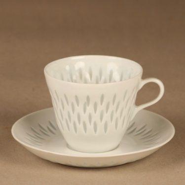 Arabia riisiposliini kahvikuppi ja lautaset, valkoinen, suunnittelija Friedl Holzer-Kjellberg, massasigneerattu kuva 2