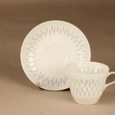 Arabia riisiposliini kahvikuppi ja lautaset, valkoinen, suunnittelija Friedl Holzer-Kjellberg, massasigneerattu kuva 3