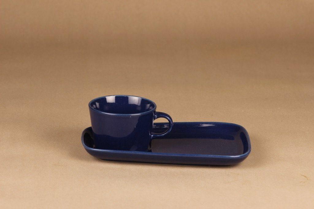 Arabia Kilta kahvikuppi ja erikoislautanen, sininen, suunnittelija Kaj Franck,