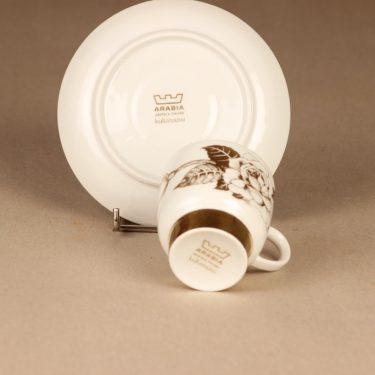 Arabia Kultaruusu kahvikuppi ja lautaset, kulta, suunnittelija Raija Uosikkinen, kukka kuva 4