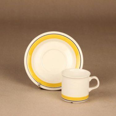 Arabia Faenza Raita kahvikuppi ja lautaset, keltainen, suunnittelija Inkeri Seppälä, raita kuva 3
