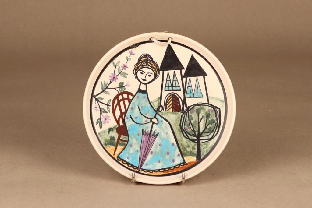 Kupittaan savi wall plate, hand-painted designer Laila Zink