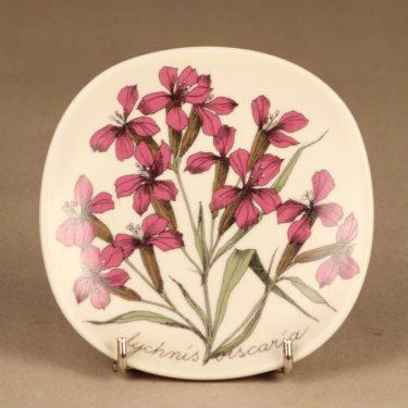 Arabia Botanica wall plate Silene Viscaria designer Esteri Tomula
